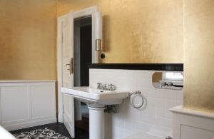 wandvergoldung, Atelier Wandlungen, blattgold, goldleaves, badezimmer, bathroom