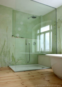 Malerei im Bad mit Gräser
