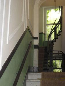 treppe wandmalerei sockel lasur